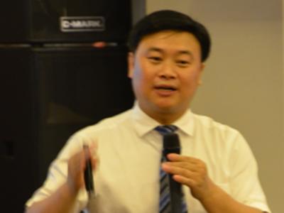 访电子科大2005级MBA、成都维尼新企业管理顾问有限公司董事长袁建军先生