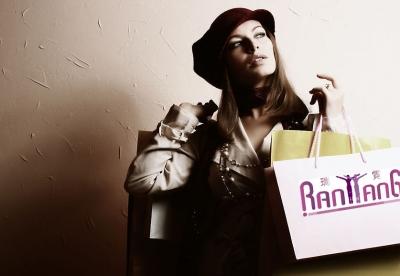 舒邑——一个女装品牌的奇葩打法