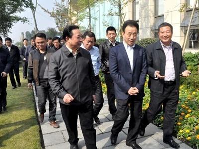 四川省省长魏宏视察电子科大成都科技园