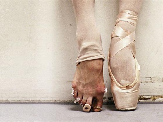"""读懂华为的""""芭蕾脚"""":有一种风光叫沧桑"""